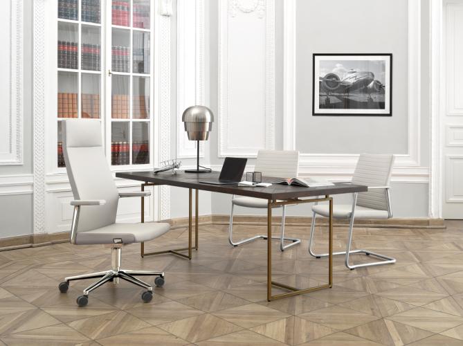 Fotele biurowe LightUp, krzesła pracownicze, meble biurowe, fotele pracownicze Łódź, polskie fotele, polskie meble biurowe, nowoczesny fotel gabinetowy, krzesło do gabinetu produkcji polskiej